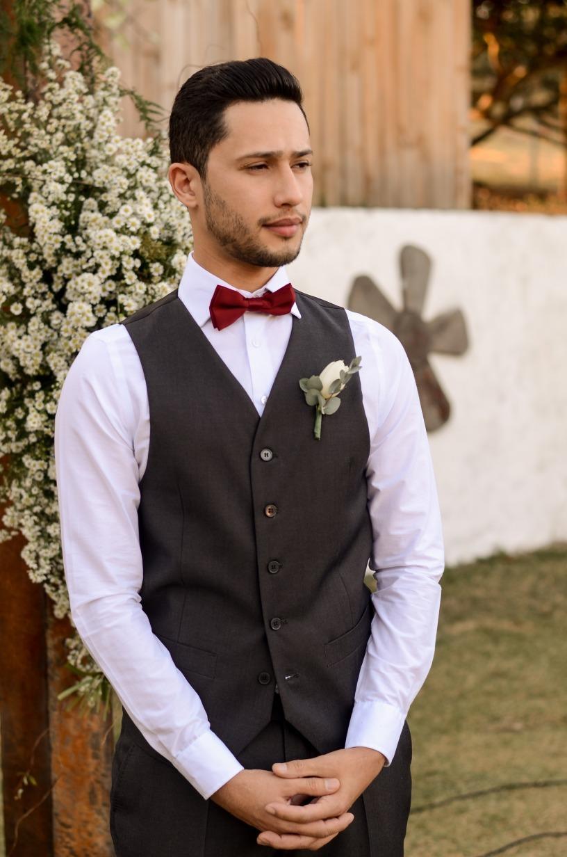 casamento no Espaço Ana Flor em Divinópolis- Sara e Roger - Vestido Zephora Linha Premium - Foto Vinicius Campos e Lucas Nolasco