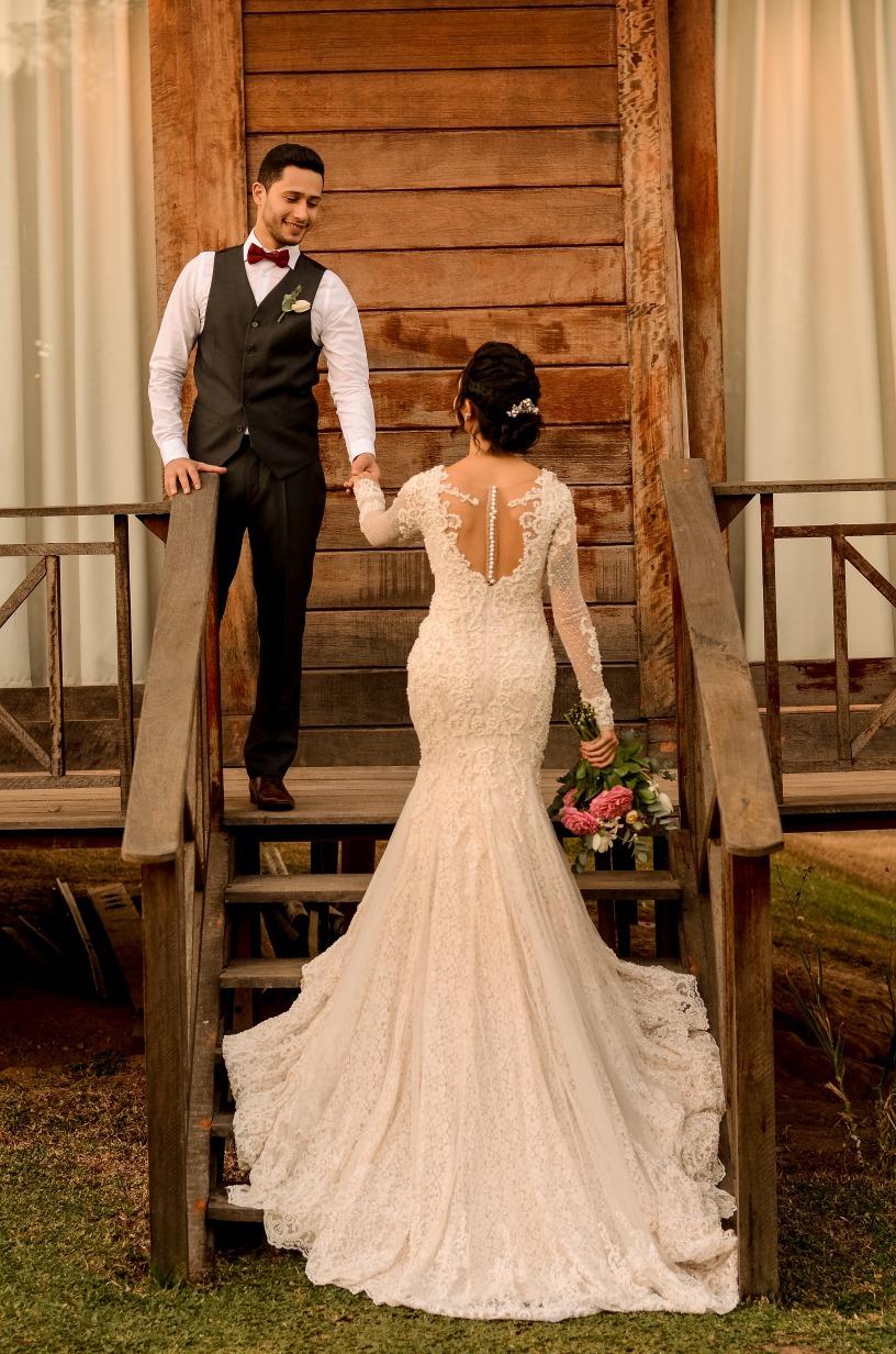 casamento no Espaço Ana Flor em Divinópolis - Sara e Roger - Vestido Zephora Linha Premium - Foto Vinicius Campos e Lucas Nolasco
