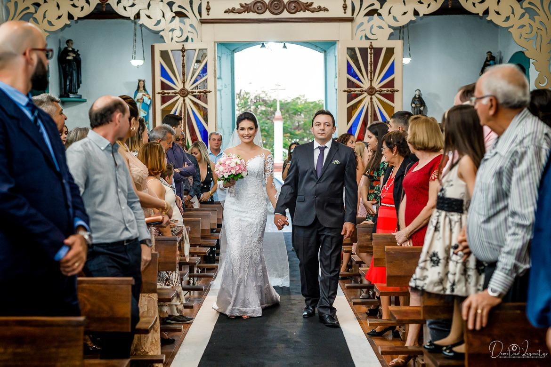 casamento na Igreja Matriz de São Gonçalo de Stefania e Felipe - vestido de noiva Zephora Linha Premium - foto Demetrio Laurentys