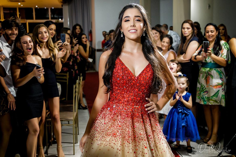 Festa de debutante em Pará de Minas Letícia Debutante - Foto Demetrio Laurentys