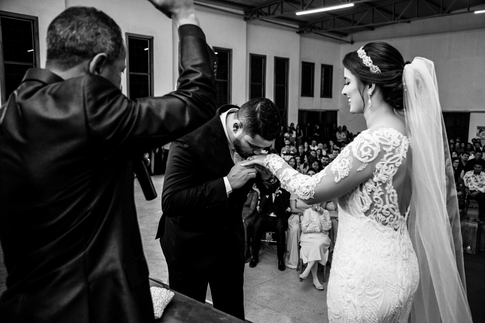 Casamento em Pitangui de Jéssica e Lucas - Vestido Zephora Linha Premium - Fotos Demétrio Laurentys