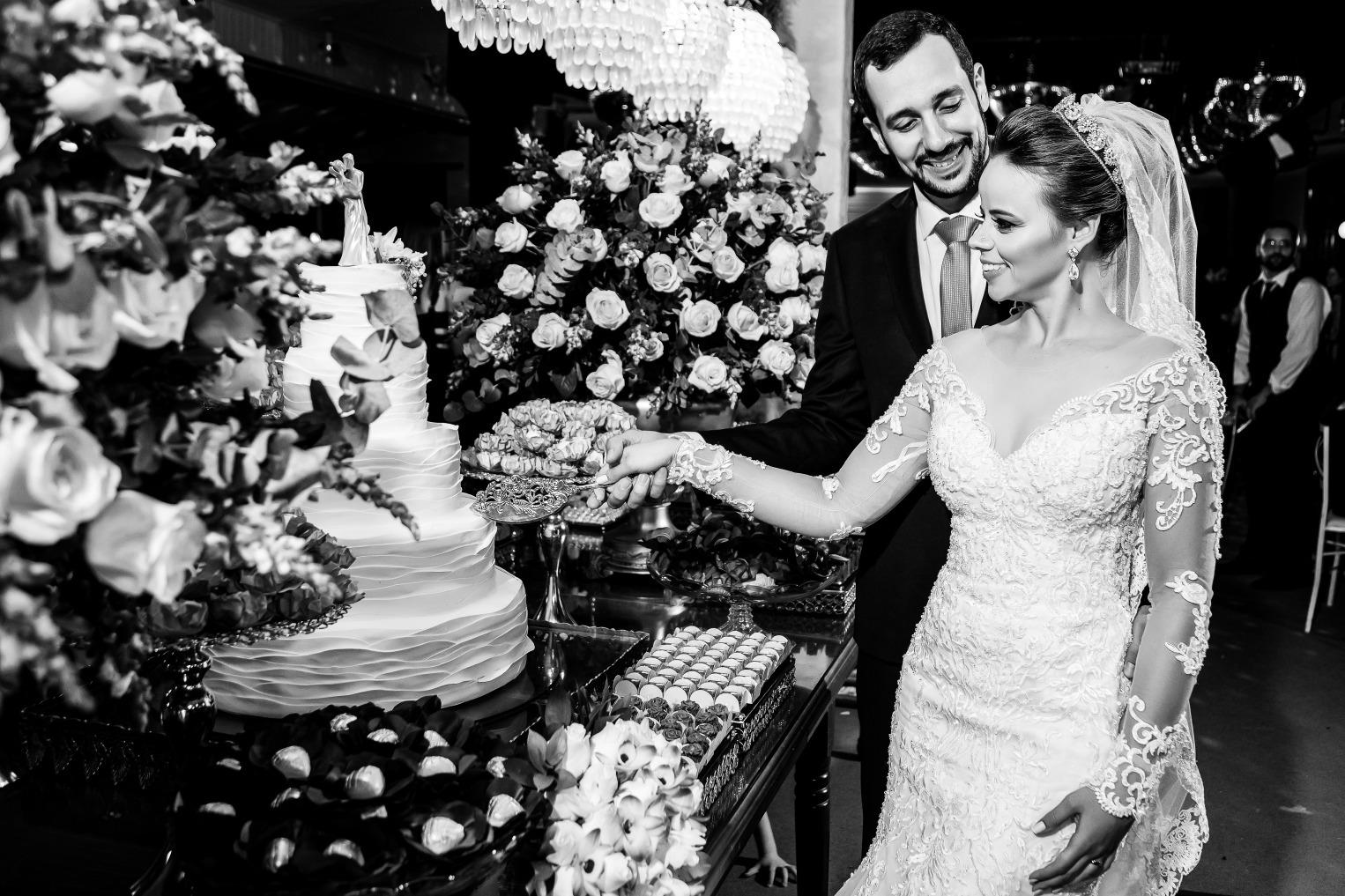casamento em Pará de Minas de Aline e Leandro - foto Demetrio Laurentys - Vestido Zephora
