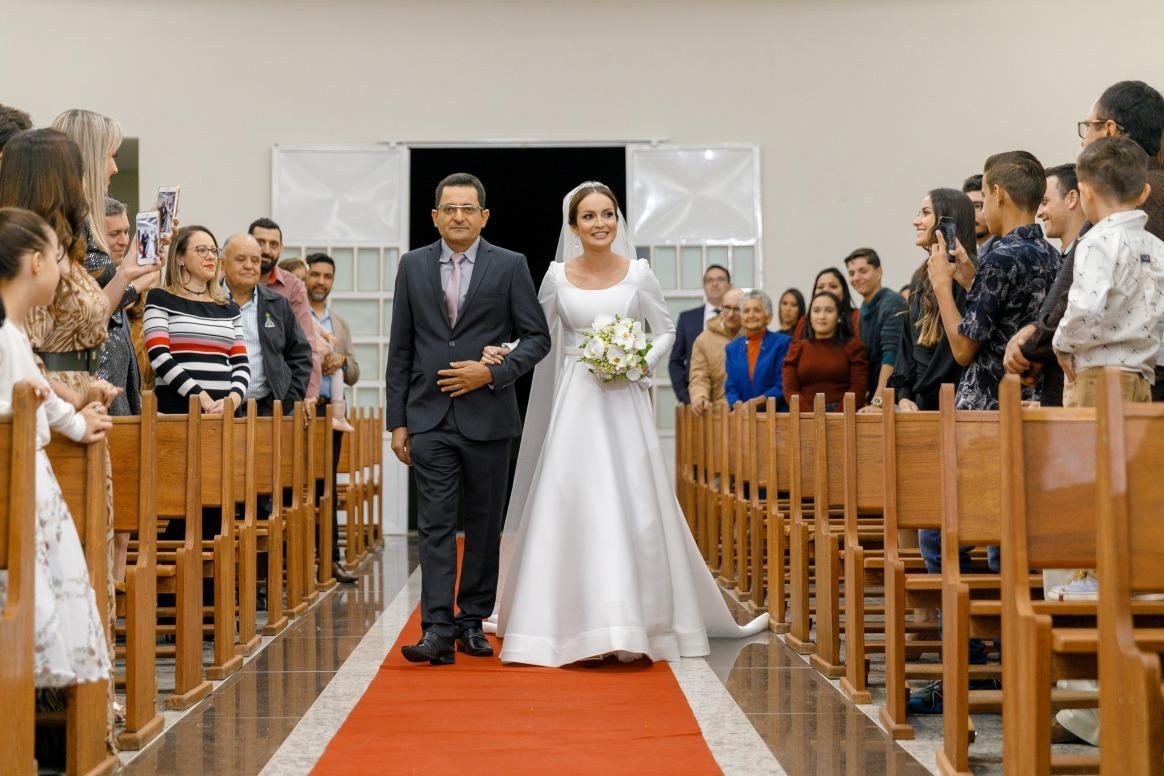 Casamento em Nova Serrana Luiza e André - Zephora Alta Costura - Dois Cliques Fotografia