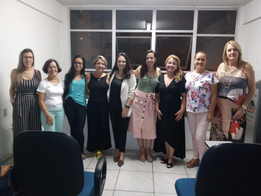 mulheres voluntárias da Associação Meu Amar em Divinópolis