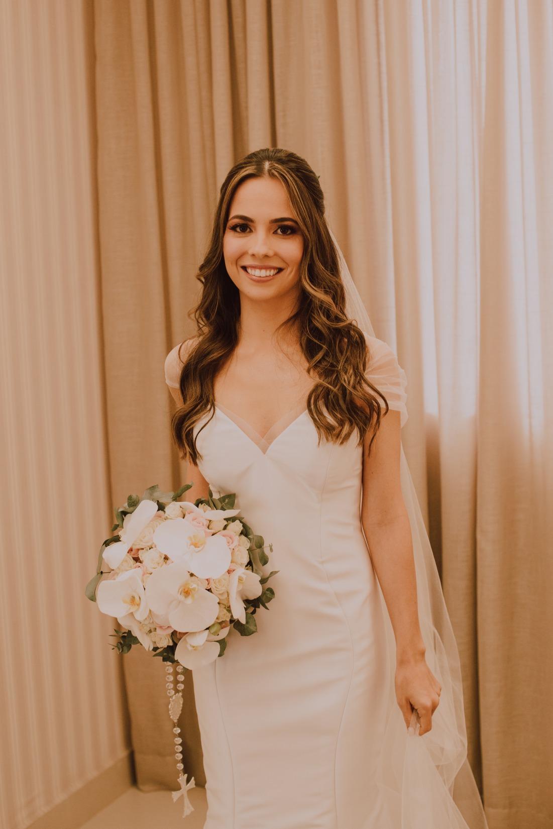 casamento em Nova Serrana Fabiane e Marcos - Vestido Zephora Alta Costura - Foto Raquel Dias